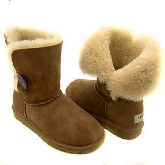 c72221f2496 UGG Bailey Button fold down shearling boot